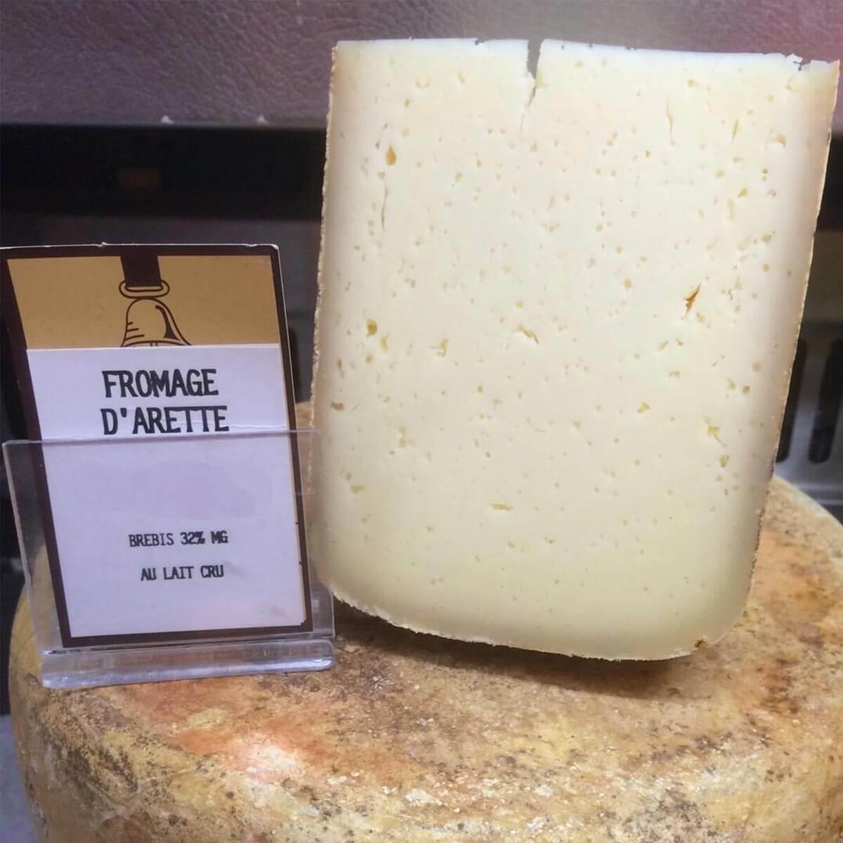 fromage d'arette fabriqué de décembre à juin